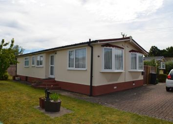 Thumbnail 2 bedroom mobile/park home for sale in Lilac Walk, Crookham Common, Thatcham