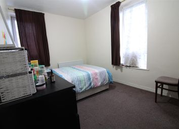 Thumbnail 4 bed flat to rent in Wades Place, London