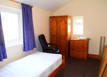 Thumbnail Room to rent in Perry Street, Abington, Northampton