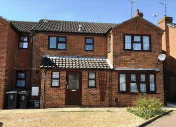 Thumbnail 6 bed detached house to rent in Victoria Close, Rushden