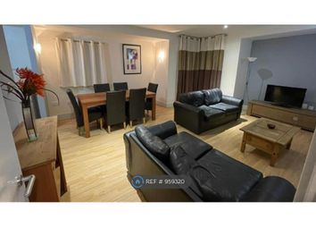 2 bed flat to rent in Queen St, Cardiff CF10