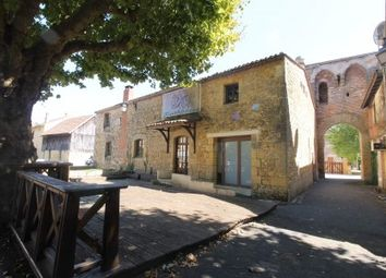 Thumbnail Pub/bar for sale in Lalinde, Dordogne, France