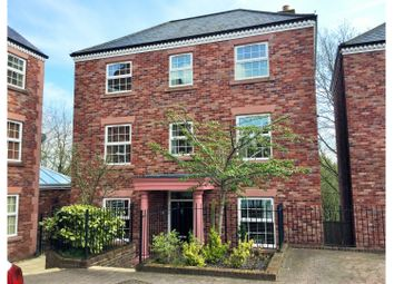 Thumbnail 4 bedroom detached house for sale in Woodland View, Hyde