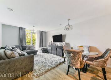 Ellerton Road, Tolworth, Surbiton KT6. 2 bed flat