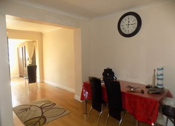 Thumbnail 4 bed property to rent in Ashford Avenue, Hayes, Middlesex
