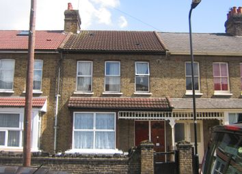 Marlow Road, Southall UB2. 3 bed maisonette