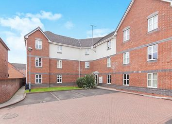 2 bed flat to rent in Cromwell Avenue, Stockport SK5