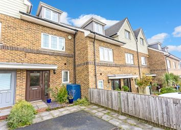 Banstead Road, Caterham, Surrey CR3. 3 bed terraced house