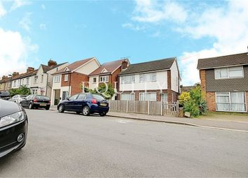 Thumbnail 2 bedroom maisonette to rent in Salisbury Road, Enfield