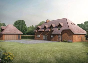 Crookham Hill, Crookham Common, Thatcham, Berkshire RG19. 4 bed detached house for sale