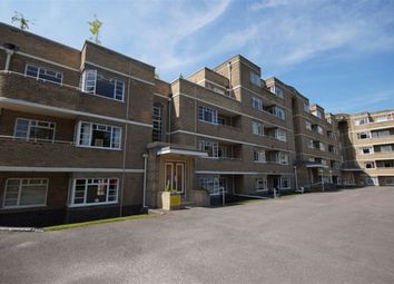 2 bed flat to rent in Suffolk Square, Cheltenham GL50
