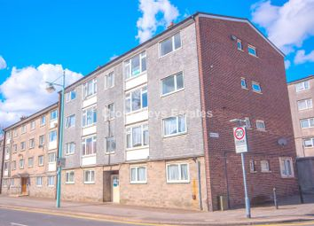 3 bed flat to rent in Vauxhall Street, Plymouth PL4