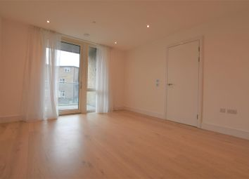 Thumbnail Flat to rent in Garnet Place, West Drayton