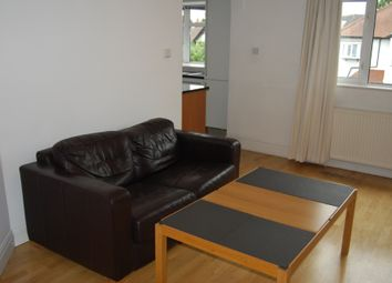 Thumbnail 3 bed flat to rent in West Avenue, London