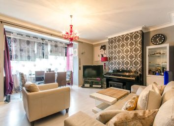 3 bed flat for sale in Brownlow Road, Bounds Green, London N11
