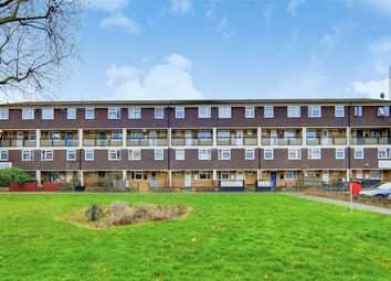 3 bed maisonette to rent in Whitton Walk, Alfred Street E3