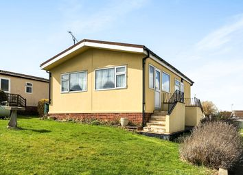 2 bed mobile/park home for sale in Tower Park, Hullbridge, Hockley SS5