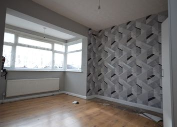 2 bed maisonette to rent in Fullwell Avenue, Ilford IG6