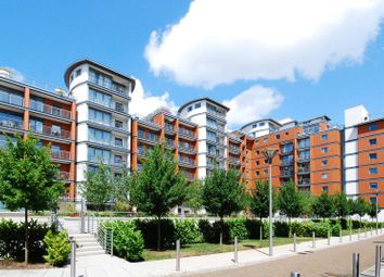 Thumbnail 1 bedroom flat to rent in Holland Gardens, Kew Bridge