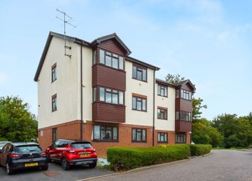 Thumbnail 2 bed flat for sale in Groves Close, Bourne End