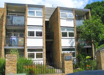 Thumbnail Flat to rent in Walpole Gardens, London