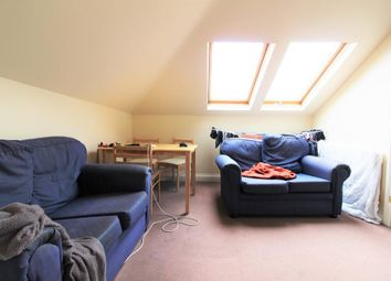 Thumbnail 3 bed flat to rent in Dafforne Road, Wandsworth, London