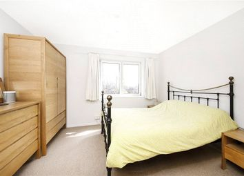 2 bed maisonette to rent in Knights Close, London E9