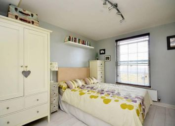 Thumbnail 2 bed flat to rent in 364 Wandsworth Road, Clapham
