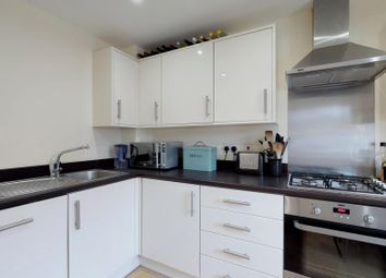 3 bed semi-detached house to rent in Pontefract Road, Bicester OX26