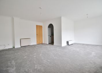 Thumbnail 2 bed flat to rent in Woodside Lane, North Finchley