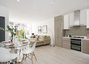 Thumbnail 2 bed flat for sale in Clifton Gardens, Temple Fortune