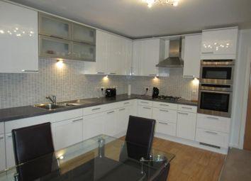 2 bed flat to rent in Queens Crescent, Floor AB15