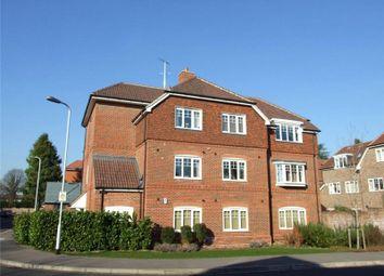 2 bed flat to rent in Ashdene Gardens, Reading, Berkshire RG30