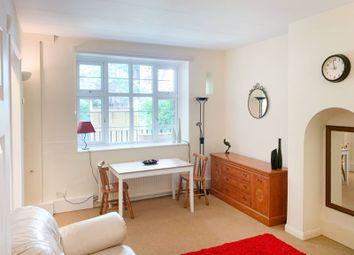 Boswell Street, Clerkenwell, London WC1N. 2 bed flat