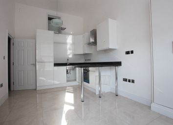 Thumbnail 2 bed flat to rent in North End Rd, London