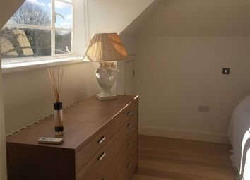 Thumbnail Studio to rent in Vivian Way, London