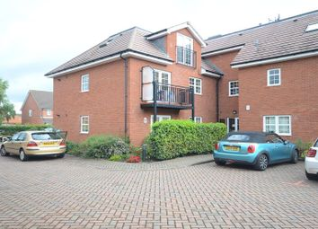 Thumbnail 2 bedroom flat to rent in Headley Road, Woodley, Reading