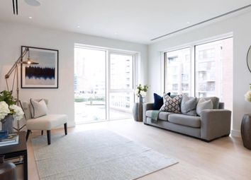 Thumbnail 2 bed flat for sale in Park Street, London