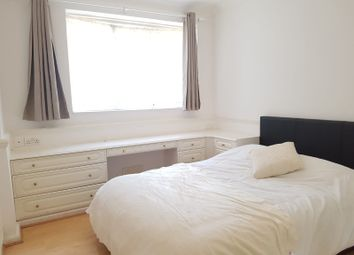 Thumbnail Room to rent in Batman Close, White City