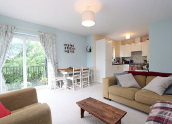 Thumbnail 1 bed flat to rent in Meadow Way, Caversham, Reading