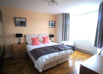 Thumbnail Room to rent in Connaught Avenue, Chingford, London