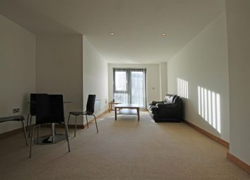 2 bed flat to rent in Salts Mill Road, Baildon, Shipley BD17
