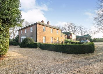 Hound Road, Netley Abbey, Southampton SO31. 2 bed flat for sale