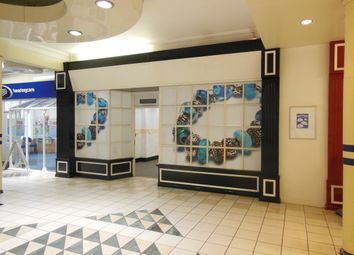 Retail premises to let in Riverside Shopping Centre, Evesham, Worcestershire WR11