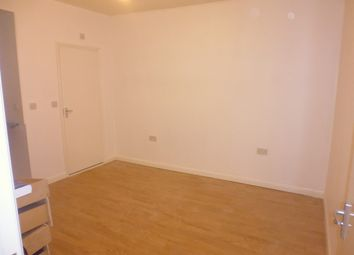 Thumbnail 1 bed flat to rent in Meadfoot Road, Streatham Common, Mitcham