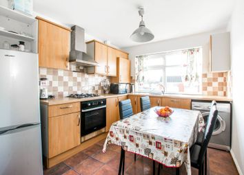 Thumbnail 2 bedroom flat for sale in Font Hills, East Finchley