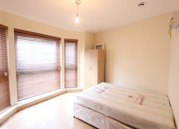 Thumbnail 1 bed flat to rent in Kings Crescent, Finsbury