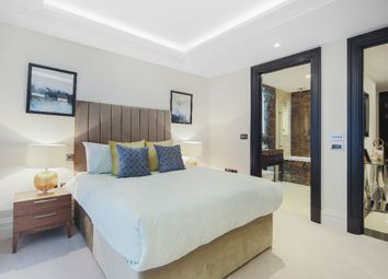 Thumbnail 2 bedroom flat for sale in Strand, London
