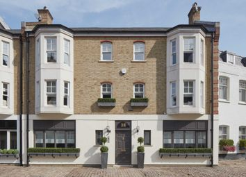 Thumbnail 3 bed mews house for sale in Pont Street Mews, London