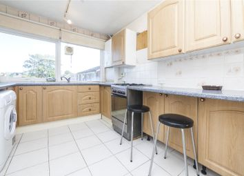 Stratford Court, Kingston Road, New Malden KT3. 2 bed flat